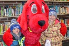Clifford visits the FES Scholastic Book Fair, March, 2017.